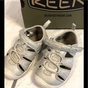 Keen Moxie Sandals - Size 6